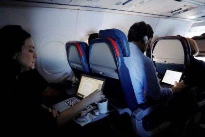 EEUU presenta un plan de seguridad en aerolíneas que no prohibirá portátiles