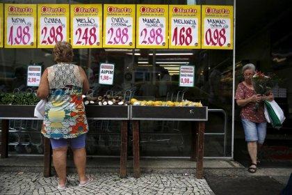 IPCA-15 cai 0,18% em julho, diz IBGE, mais que o esperado