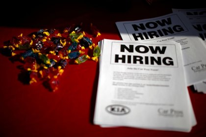U.S. weekly jobless claims fall to near five-month low