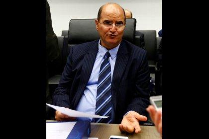 وزير كويتي: كبار منتجي النفط سيبحثون اتفاق المعروض العالمي