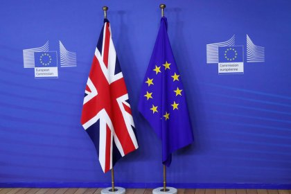 Reuters poll - One-in-three chance Britain-EU divorce talks end with no deal: economists