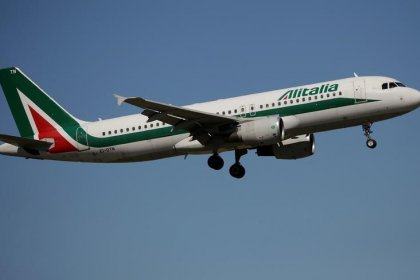 Alitalia gets some 10 non-binding offers for the airline: source