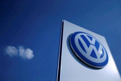 U.S. lawyers suing Volkswagen get $300 million in fees, costs