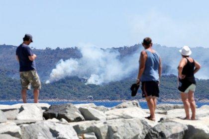 Le Sud-Est en proie aux flammes pour le 3e jour