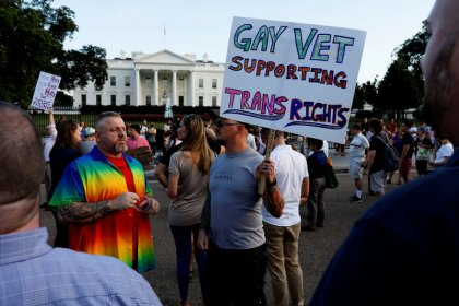 Trump to ban transgender U.S. military personnel, reversing Obama