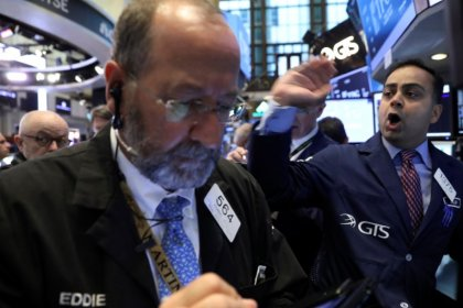 Tech, transport woes hit Wall Street