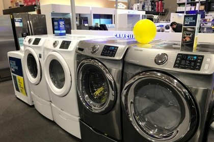 U.S. durable goods, trade data boost second-quarter growth estimate