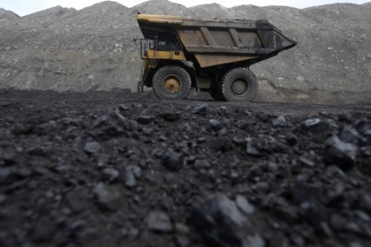 U.S. coal exports soar, in boost to Trump energy agenda, data shows