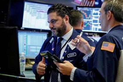 Apple et les banques portent Wall Street à des records