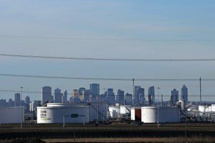 U.S. issues permit to expand Enbridge cross-border oil pipeline