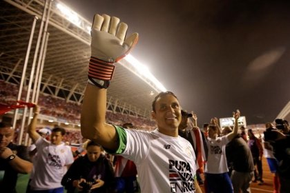 Keylor Navas se prepara para volver a la portería del Real Madrid en el partido contra el Tottenham