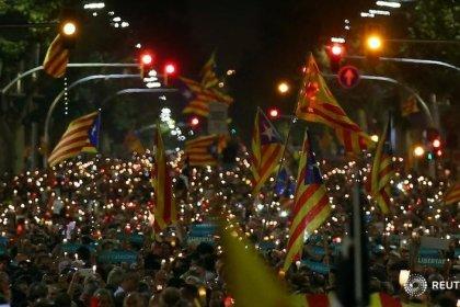 El independentismo vuelve a la calle, el Govern mantiene su respuesta a Rajoy