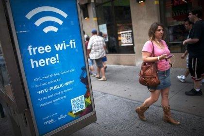 باحثان يكشفان خللا يجعل الإنترنت اللاسلكي عرضة للاختراق