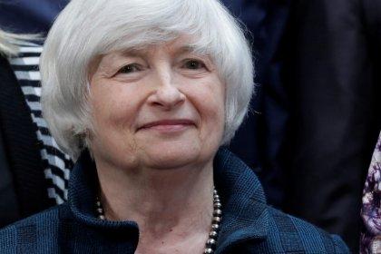Dollaro forte su attese per successore Yellen e riforma fisco