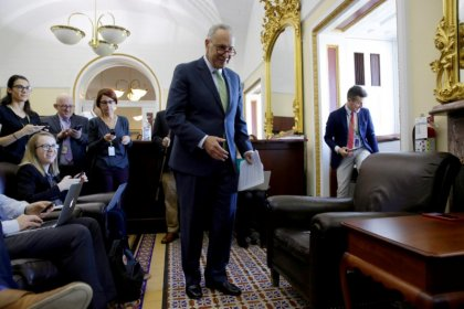 Bipartisan Senate deal on stabilizing Obamacare runs into trouble