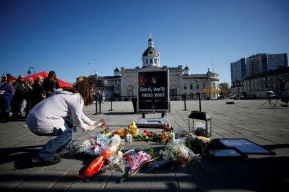 Canada's Tragically Hip singer Gord Downie dies, PM weeps