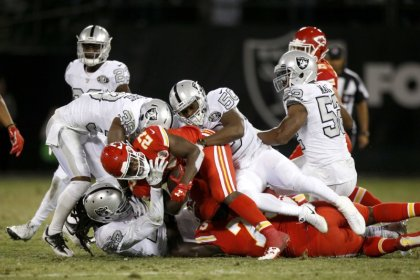 Last gasp touchdown sees Raiders stun Chiefs