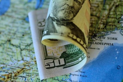Доллар вырос благодаря надеждам на принятие налоговой реформы Трампа
