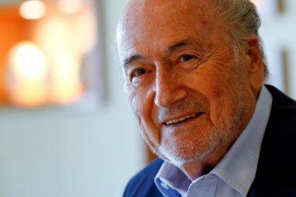 """Kremlin diz que """"velho amigo"""" Blatter será bem-vindo na Copa do Mundo da Rússia"""