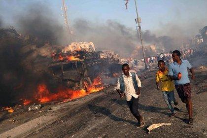 ارتفاع عدد قتلى تفجيرين في الصومال إلى 358 شخصا