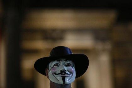 Anonymous hackea la web del Constitucional español por Cataluña