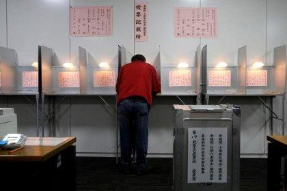 Koalition von Japans Regierungschef Abe vor klarem Wahlsieg
