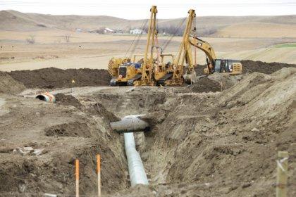 U.S. lawmakers ask DOJ if terrorism law covers pipeline activists