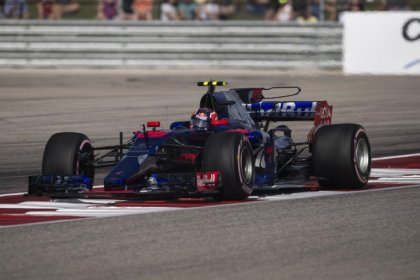 Motor racing - Toro Rosso drop Kvyat and give Hartley another go