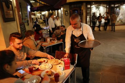 Spain services sector growth eases in October on Catalonia worries - PMI