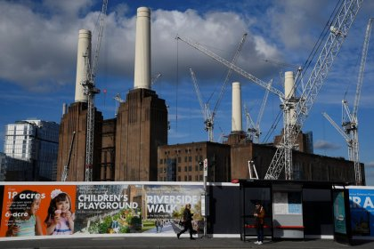 Industry shines in otherwise hazy vista for UK economy