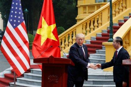 Vietnam, U.S. firms sign MoUs during Trump's visit