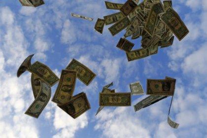 Americans' debt level rises in third quarter