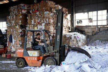 China afronta toneladas de residuos tras el fervor del Día de los Solteros