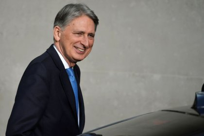 Britain to submit 'Brexit bill' proposal before December EU meeting