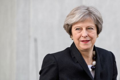 May meets senior ministers to discuss Brexit divorce bill offer