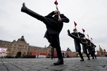 Власти РФ хотят засекретить банки, финансирующие гособоронзаказ