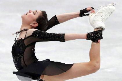 2018 favorite Medvedeva has broken foot, may miss GP Final