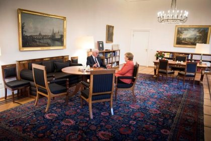 HINTERGRUND-Jamaika-Abbruch wirft Frage nach Merkels Zukunft auf