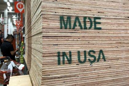 U.S. core capital goods fall; business spending momentum strong