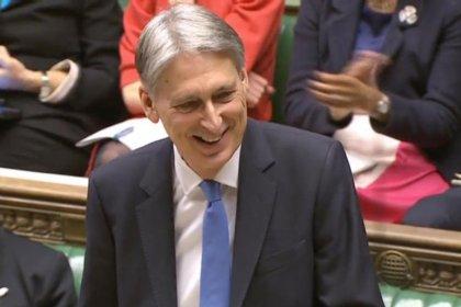 Londres présente un budget en berne avec le Brexit