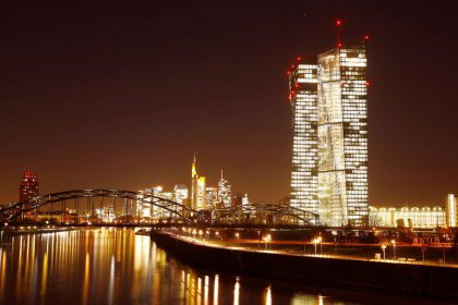 ECB split over keeping bond buys open-ended: minutes