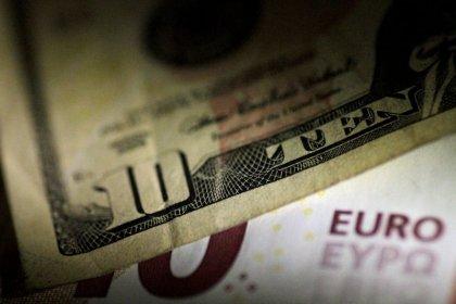 Euro hits six-week high on growth outlook optimism