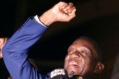 إمرسون منانجاجوا يؤدي اليمين رئيسا لزيمبابوي