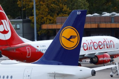 German regulator checks up on air fares following Air Berlin's collapse