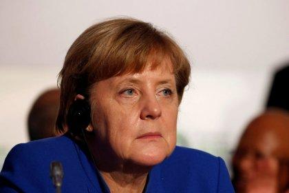 Germania, accordo tra Merkel e Spd per avvio trattative