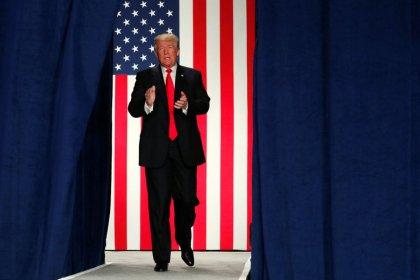 Russiagate, Flynn promette di cooperare in indagine nell'interesse degli Usa