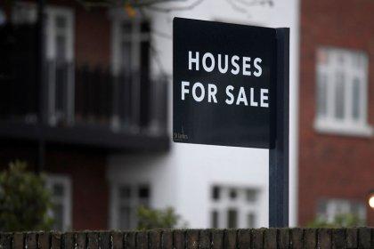 Housebuilding spurs modest rebound in UK construction: PMI