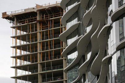 Canada building permits rise in October on commercial, residential plans