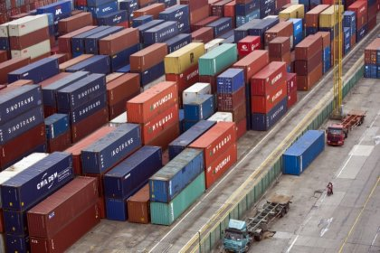 China exports growth hits eight-month high, imports defy pollution curbs