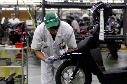 Japan big manufacturers' mood improves in October-December: government